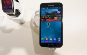 Samsung  Galaxy S5 Is A Record Breaker At T-Mobile