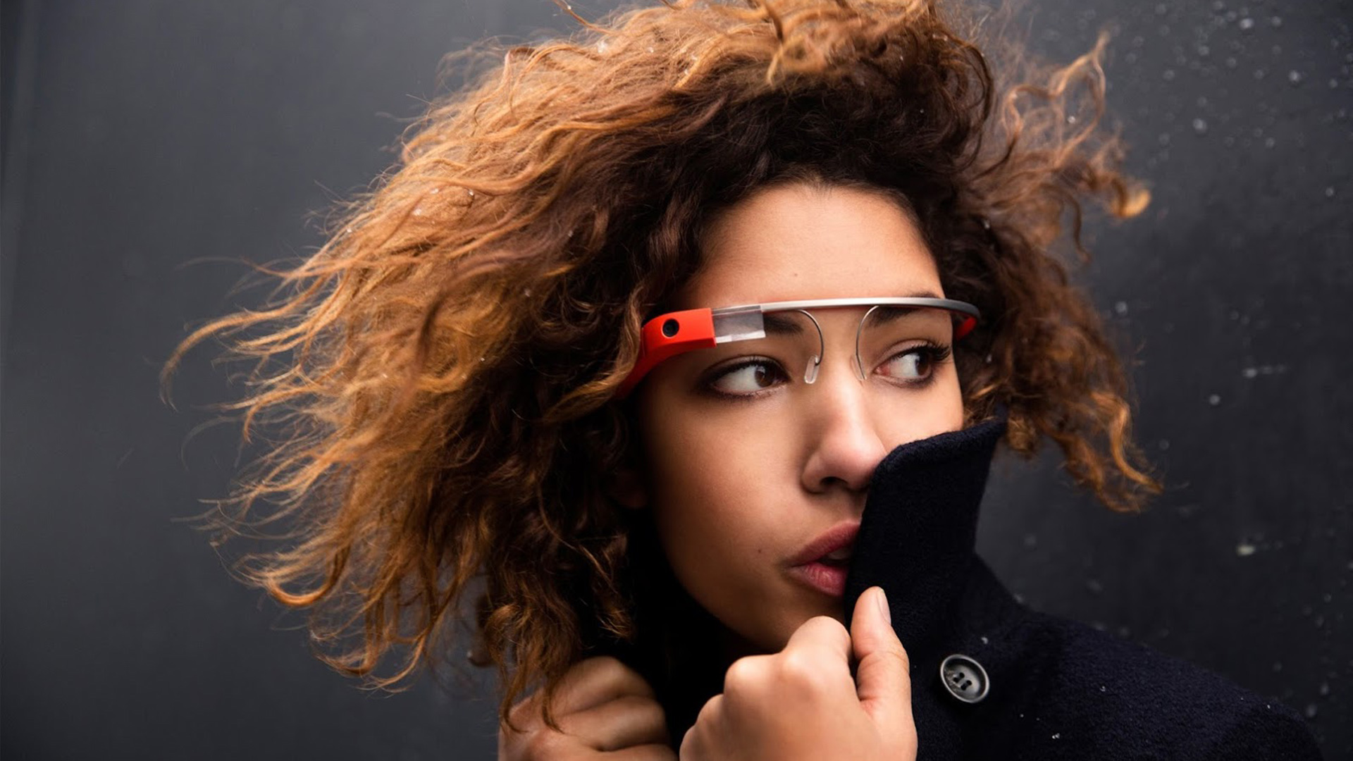 Model introducing Google glass