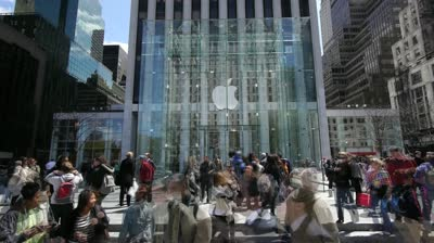 Crowd outside apple store - Guerilla Marketing ideas