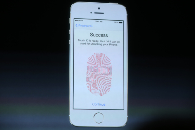 iPhone 5C fingerprint feature with home button