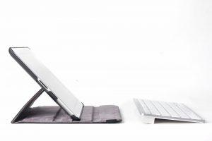 SPARIN Ultra Slim Keyboard for iPhone and iPad