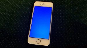 how to solve iphone blue screen issue
